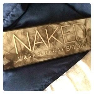 Urban Decay Naked 4 Smoky Palette